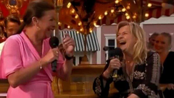 Lotta Engbergs snuskskämt efter Bettans överraskning i tv