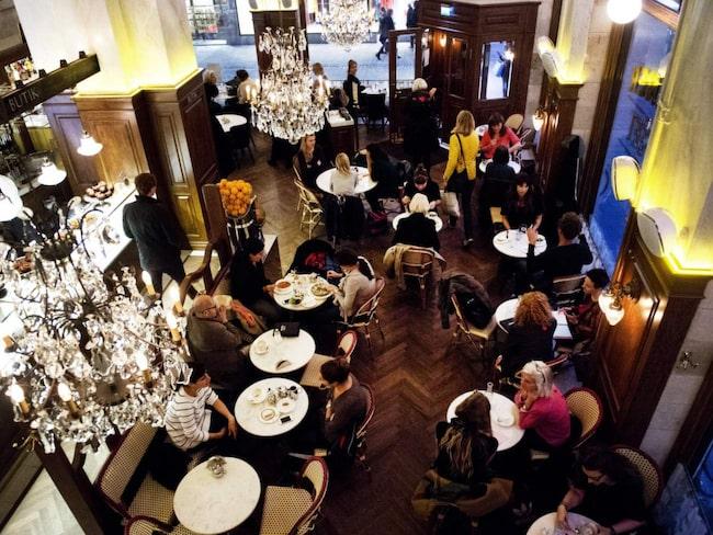 <span>Wienercaféet utstrålar en filmisk elegans.</span>