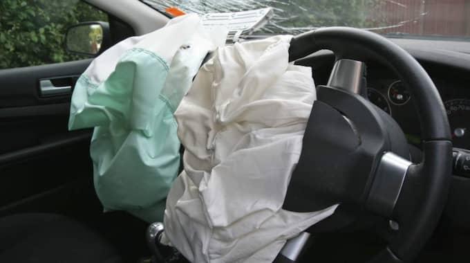 Stöldligan inriktar sig på nya fina BMW-bilar och det handlar främst om stölder av airbagar och navigationsutrustningar.
