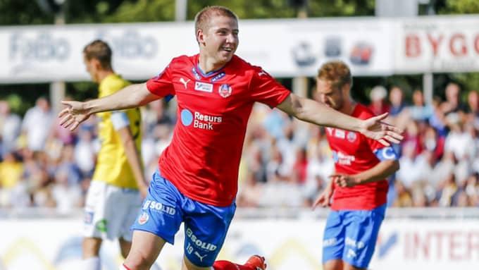 21-årige Bojanic gjorde tre mål för HIF i fjol. Här jublar han mot Falkenberg. Foto: Robert Boman