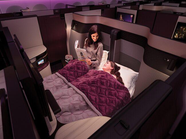 Qatar Airways introducerar flygbranschens första dubbelsängar ombord.