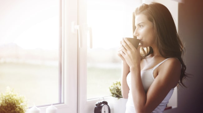 <span>Det tar nämligen mellan 8-10 timmar för 75 procent att koffeinet att lämna din kropp!</span>