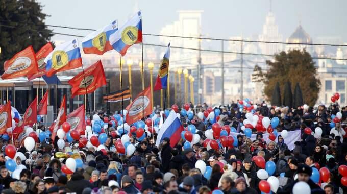 """Krims Moskvastödda styre firade Krims """"återförening"""" med Ryssland häromdagen. Foto: Maxim Shipenkov / Epa / Tt / EPA TT NYHETSBYRÅN"""