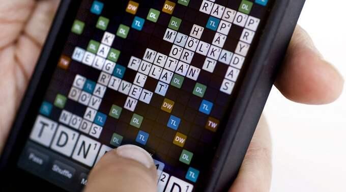 Wordfeud gör succé. Runt sju miljoner jar laddat ner alfapet-appen - 690 000 svenskar har den i sin Iphone. Foto: Claudio Bresciani / Scanpix
