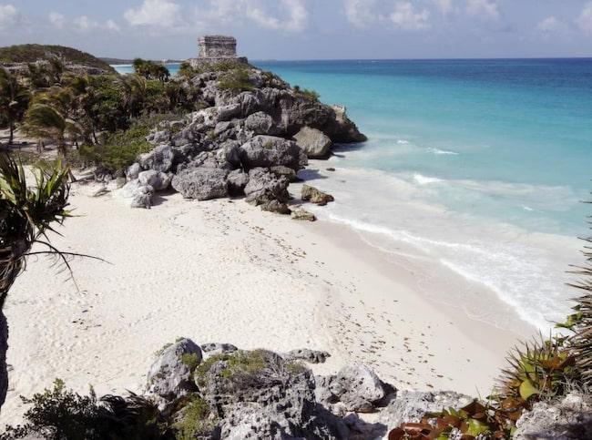 Stranden som har allt. Turkost vatten, värmande sol, svalkande vindar och spännande mayaruiner vid Tulum.