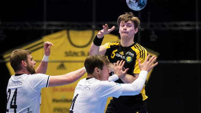 Oskar Sunnefeldt gjorde sex mål när Sävehof besegrade OV Helsingborg. Foto: LINE SKAUGRUD LANDEVIK / BILDBYRÅN
