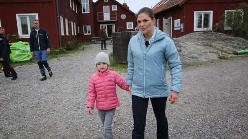 """""""Det här var ett sätt för prinsessan Estelle att med egna ögon se och lära om den här frågan"""", säger hovet. Foto: STOCKHOLMS UNIVERSITET"""