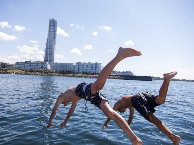 Även Malmö ligger i topp när det gäller snygga invånare – enligt dem själva.