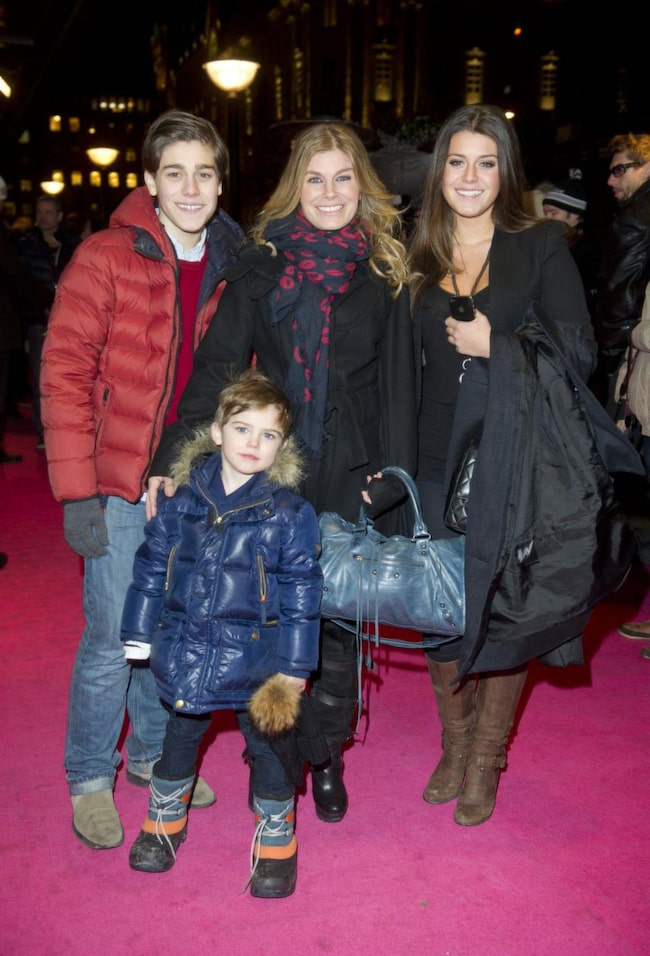 Pernilla med tre av sina barn: Benjamin, 15, Bianca, 18 och Theodor, 5.