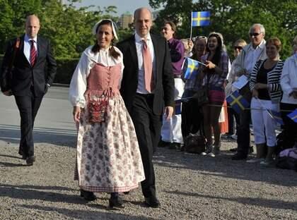 Fredrik och Filippa Reinfeldt strax innan tv-sändningen på Skansen skulle börja. Foto: Stefan Söderström