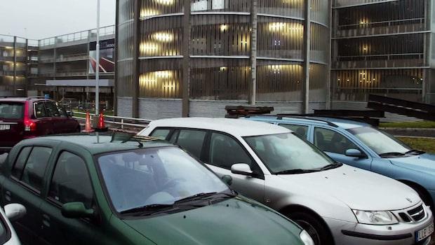 Tjuvarna länsar din bil under semestern