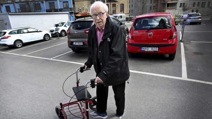 Börje Andersson över glad över att ingen annan kom till skada när han svimmade bakom ratten. Foto: Anders Robertsson/Borås Tidning.