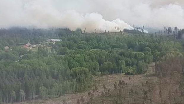 Germund, 62, rädddade hel by från jättebranden