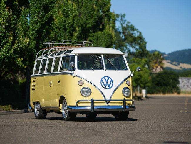 Volkswagen typ 2 från 1963 – minibuss med 23 fönster.