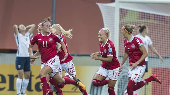 Danmark jublar i EM. Foto: ROALD, BERIT / NTB SCANPIX TT NYHETSBYRÅN