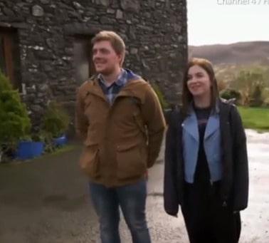 Carwyn och Megan bodde båda två hos sina föräldrar och drömde om eget boende, men hade inte råd.