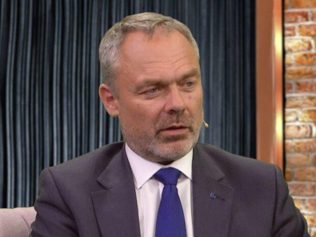 Bara politik 25 oktober: Se hela intervjun med Jan Björklund (L)