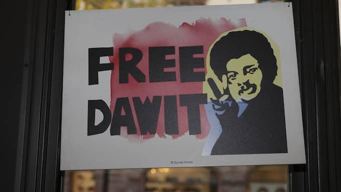 5701 DAGAR. Så länge har den svensk-eritreanske journalisten och författaren Dawit Isaak varit fängslad i Eritrea. Hans fall blir nu alltmer uppmärksammat utomlands. Foto: JOHAN JEPPSSON
