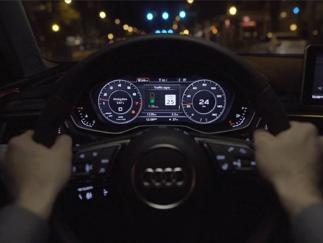 Det nya systemet ger föraren avstånd till trafikljusen, information om när de slår om och rekommenderad hastighet.