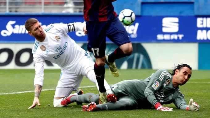 Real Madrid vann till slut med 2-1. Foto: JAVIER ETXEZARRETA / EPA / TT / EPA TT NYHETSBYRÅN
