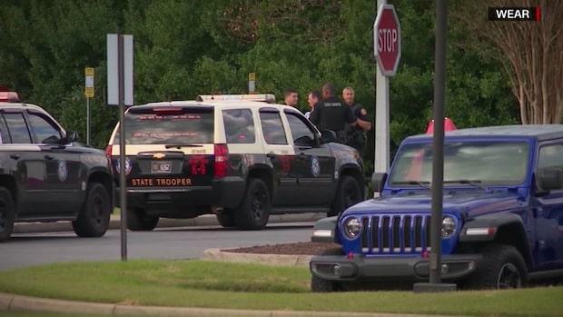 Masskytt på amerikansk militärbas i Pensacola ska ha självradikaliserats