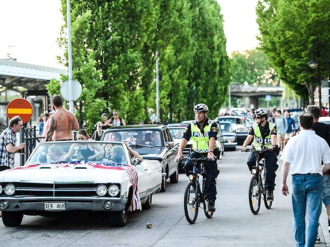 Fullt upp för polisen på bilträffar. Här från Powermeet i Hässleholm.