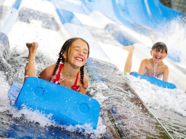 Hur mycket vatten som vattenparken på Skara sommarland rymmer? 4 miljoner liter.