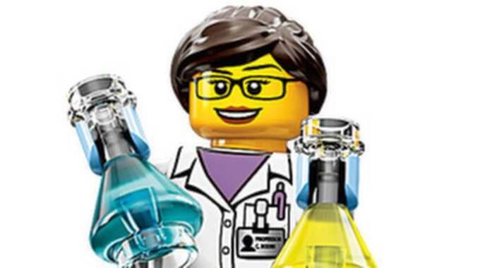Forskaren Ellen Kooijman vill med sina figurer uppmuntra tjejer att testa på forskaryrket. Foto: Lego