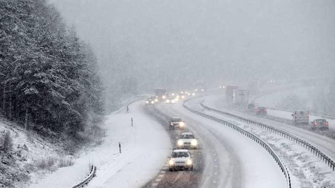 Johan Groth, meteorolog på väderinstitutet Storm, kan snövädret hålla i sig några dagar. Foto: JAN WIRIDEN / JAN WIRIDEN GT/EXPRESSEN