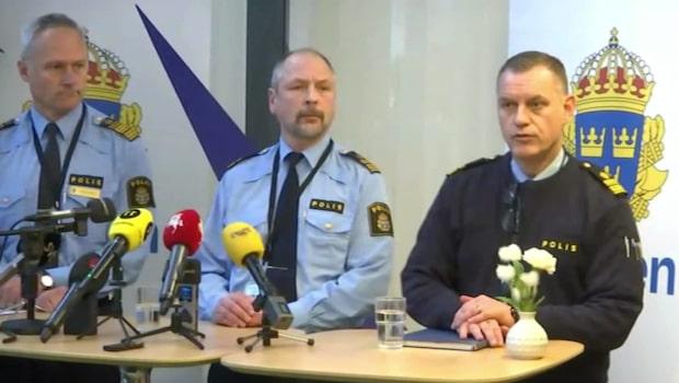 Polis död efter olycka – två personer efterlysta