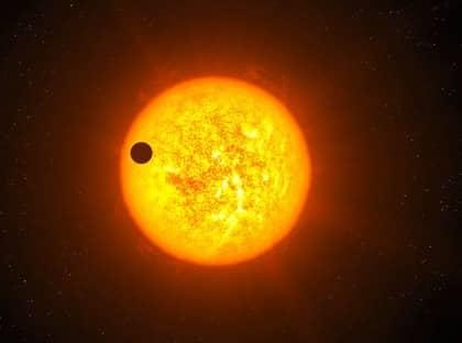 Det är svårt att se exoplaneten Corot-9b på långt avstånd, eftersom dess stjärna lyser så starkt.