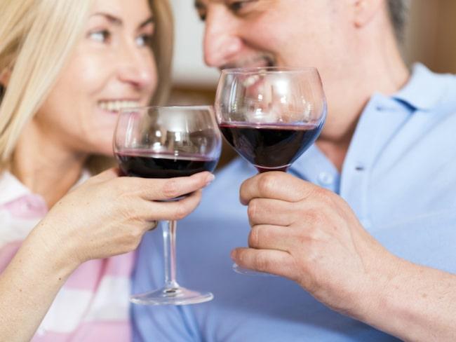 """<span>Signaturen """"Livsnjutare"""" undrar hur mycket vin det okej att dricka per kväll. <br></span>"""
