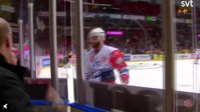 Thomas Larkin stängs av fyra matcher efter överfallet på Brynäs Daniel Paille. Foto: SVT.