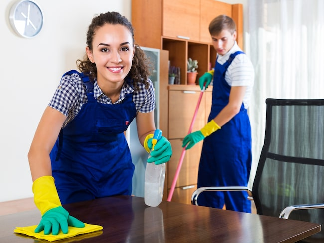 Visste du att hushållsarbete kan förlänga ditt liv med hela tre år? Men det gäller bara hälften av oss...