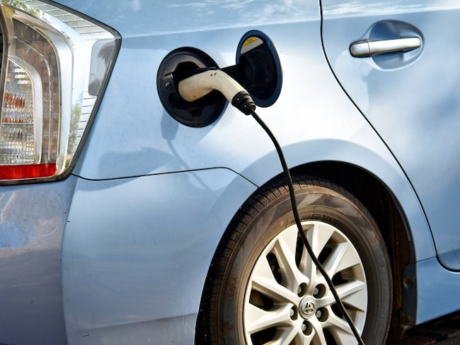 Den största andelsökningen av den svenska nybilsförsäljningen står de laddbara bilarna för.