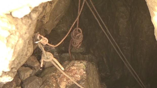 Två personer innestängda i översvämmad grotta sedan i lördags