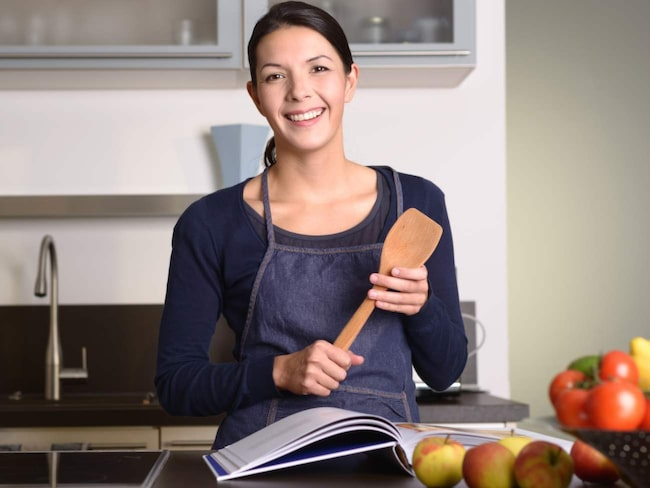 Plast är skadligt för både miljö och hälsa. Att använda köksredskap i trä är ett bra sätt att plastbanta i köket.