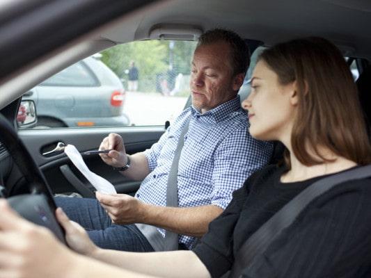 Transportstyrelsen vill ta bort samtliga tolv avgifter inom körkortsområdet - förutom själva körkortsavgiften.
