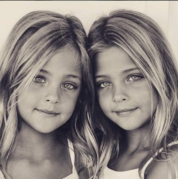 Flickornas utseende förbluffar. Foto: Instagram/Clementstwins