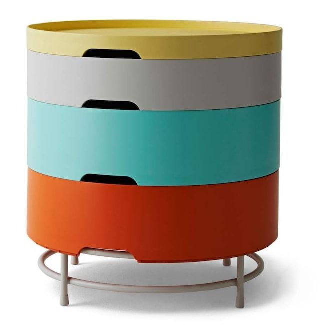 Bord och förvaring. Finns i vitt eller som här i flera färger. Från Ikea PS 2014. Av designgruppen Rich Brilliant Willing, 599 kronor, Ikea.
