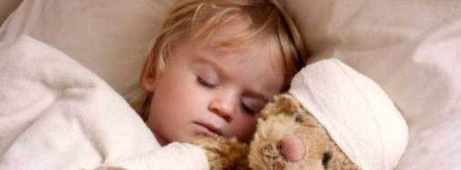 För att minska smittspridning är det viktigt att sjuka barn stannar hemma.