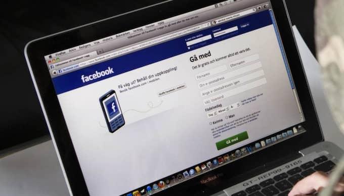 Experterna varnar nu föräldrar från att lägga upp bilder på sina barn på bland annat Facebook. Foto: Jan Wiriden