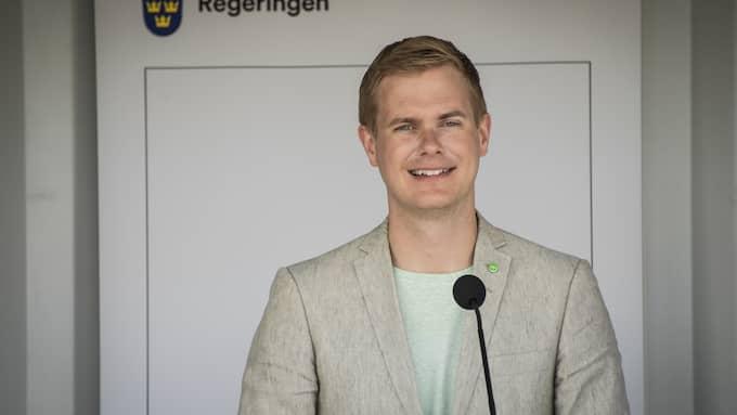 """Diggar digitalt. Regeringen ska ändra läroplanerna för att minska vad utbildningsminister Gustav Fridolin (MP) kallar för """"digitalt utanförskap"""". Foto: MARCUS ERICSSON/TT / TT NYHETSBYRÅN"""