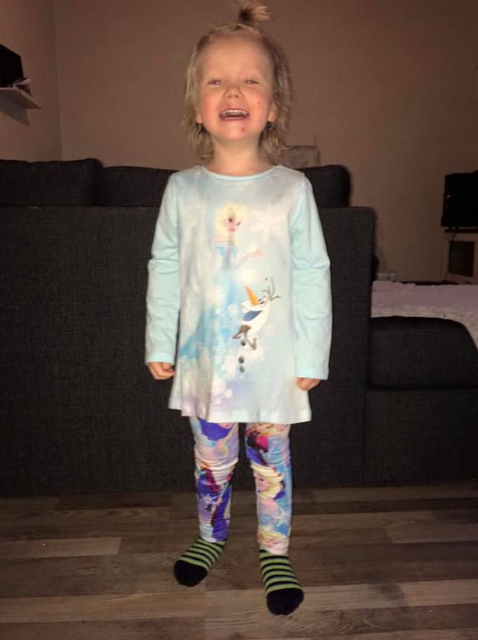 Mirandra Jörgensens bild på sonen Alvin gjorde succé på Facebook. Foto: Privat