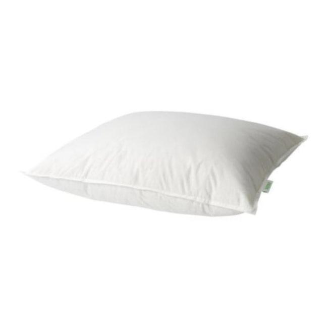 Du som sover...<br>... på sidan:<br>En högre kudde krävs för den som sover på sidan. Kudden ska ge stöd åt nacke och ryggrad Ju bredare axlar desto högre kudde.<br><br>Hög fjäderkudde, Ike, 119 kronor. <br><br>Se även nästa bild.