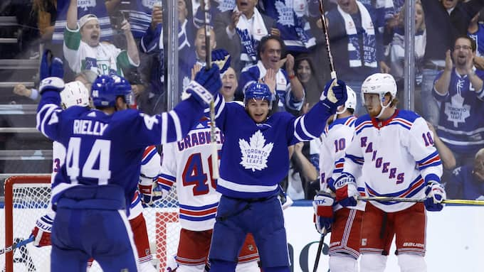 Toronto vann med 8-5. Foto: COLE BURSTON / AP TT NYHETSBYRÅN