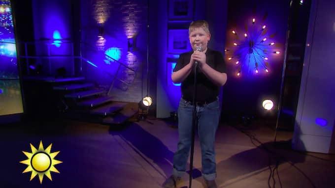 Oliver Rytting uppträder i Nyhetsmorgon på TV4. Foto: TV4