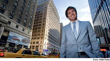 """Kungen av Manhattan. Henrik Lundqvist har på ett år förvandlats till en superstar i New York. Svensken är den stora stjärnan i Rangers och har höga krav på sig inför säsongen. """"Jag vet att jag har ett stort ansvar på mina axlar"""", säger han till SPORT-Expressen."""