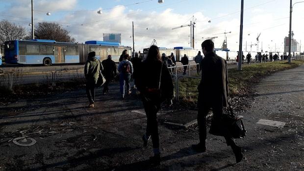 Problem i kollektivtrafiken – Götaälvbron strömlös