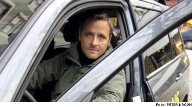 Nu ska det bli lättare att ta körkort. På bilden körskoleläraren Mikael Verngren.